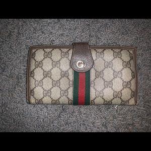 Vintage authentic Gucci wallet